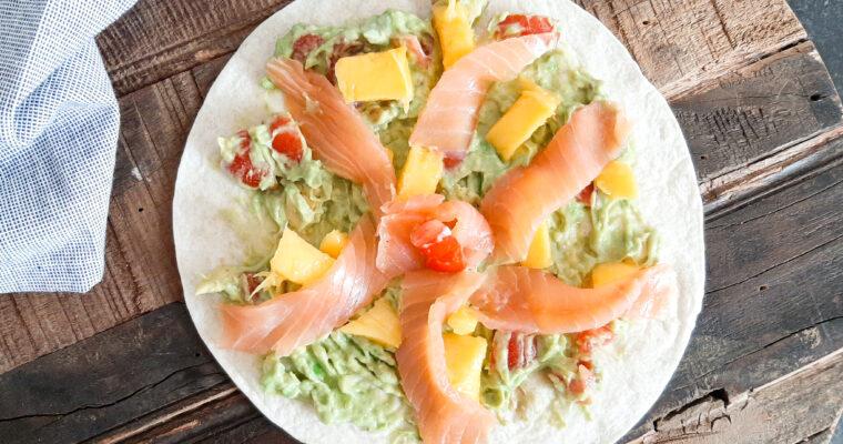 Wrap met zalm en mango