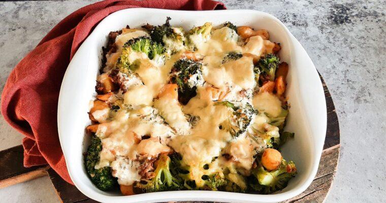 Broccolischotel met gehakt en krieltjes