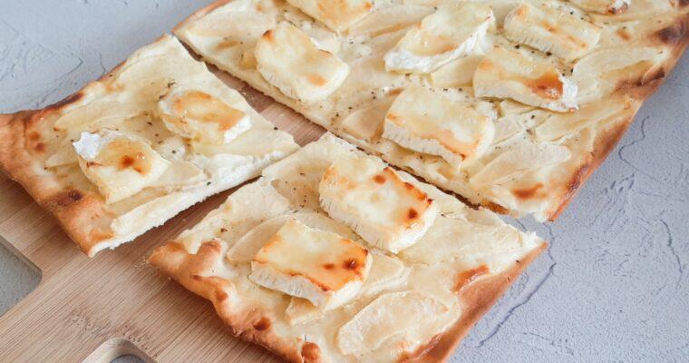 Flammkuchen met appel en brie