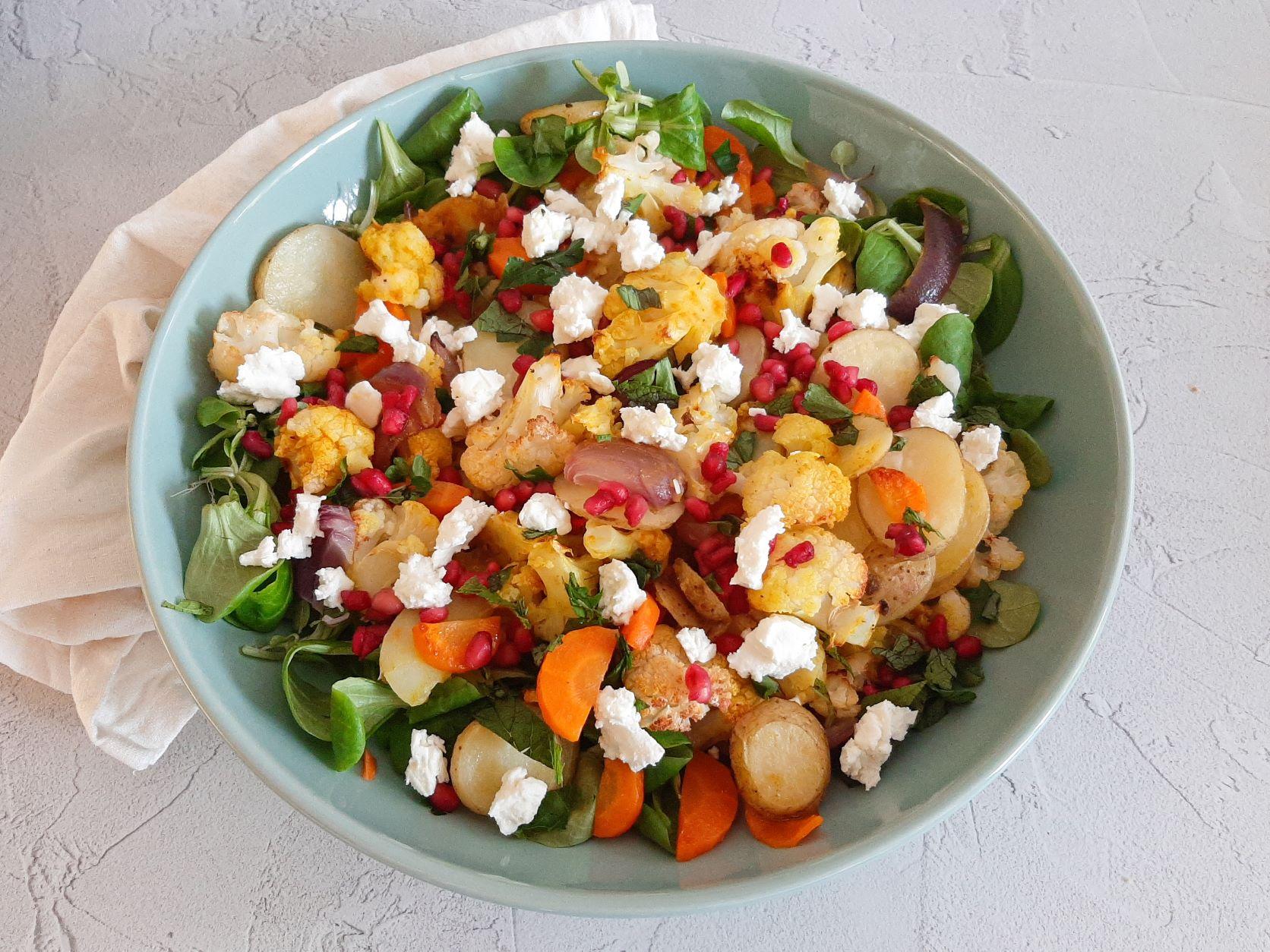Geroosterde bloemkoolsalade met feta